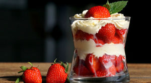 Top 5 Eateries Serving Strawberry Desserts In Mumbai For Valentine's Day