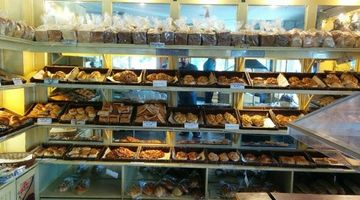 Top Breads,Sector 18, Noida