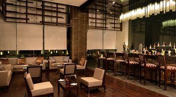 Pose,Hilton Garden Inn, Gurgaon