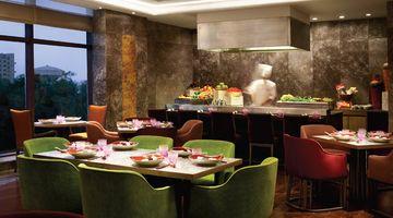 Mei Kun -The Leela Ambience Convention Hotel, New Delhi-restaurant020160816150158.jpg