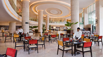 MoMo Cafe,Courtyard Mumbai International Airport