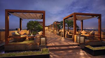 Q Bar,Hilton, Chennai