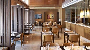 Yum – Thai Noodle Bar,Radisson Blu Hotel Dubai Deira Creek
