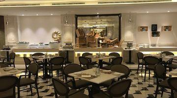 Al Nafoora,Coral Dubai Al Barsha Hotel