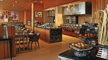 Cafe on 3 ,Holiday Inn, Mayur Vihar Phase 1