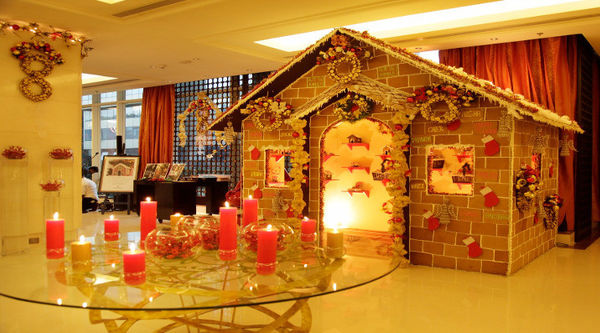 Top 3 Bangalore Hotels that have some amazing Gingerbread Houses for you to see and even buy!