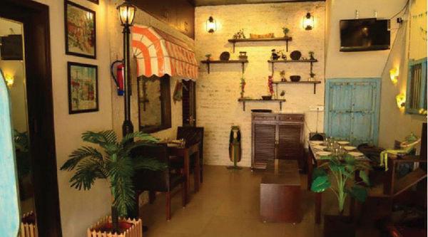 Burbee's Café & Diners,Sector 18, Noida