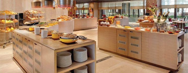 Cafe Knosh-The Leela Ambience Convention Hotel, New Delhi-restaurant120160816144744.jpg