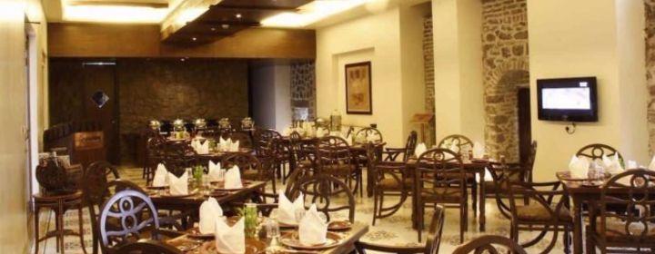 Chhajja-Fort JadhavGADH, Pune-restaurant020180726102629.jpg