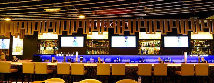 Dugout 15 Off On Food All Bev Grand Excelsior Hotel Bur Dubai Dubai