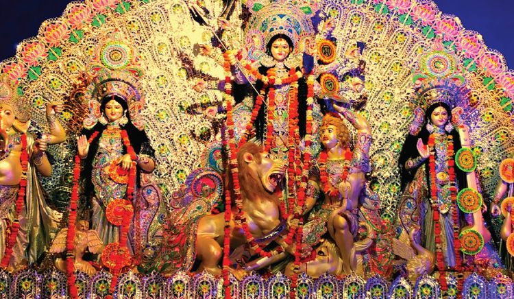 Pandal Hopping and Food Stall Hopping in Kolkata