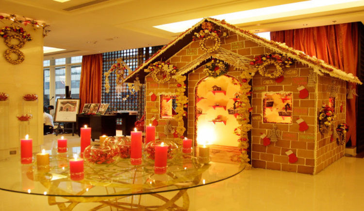 Christmas is a time for indulgence. Let us start with some Gingerbread Houses