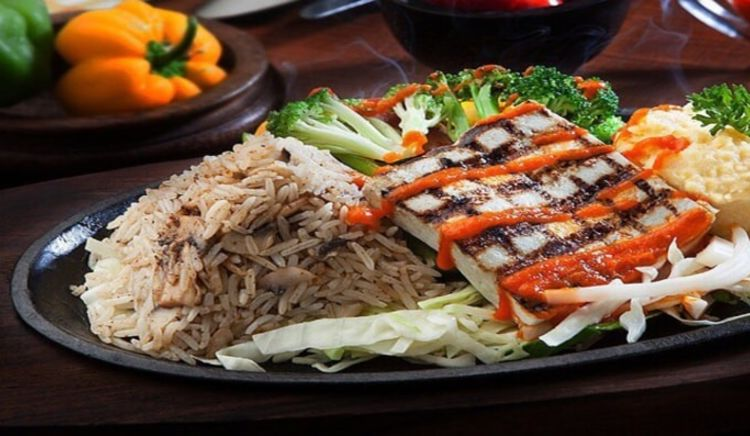 Restaurants serving the most incredible sizzlers in Mumbai.