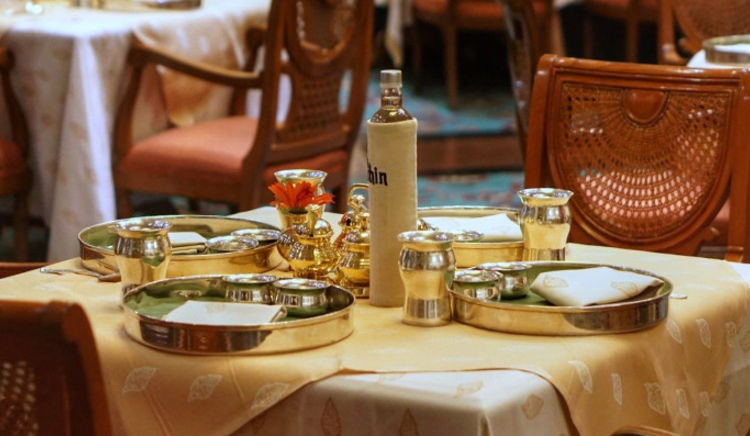 From pocket-friendly and simple lunches to grandiose and meaty thalis – our selection of the best South Indian thalis has it all