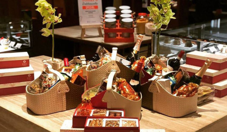 Choose from a delectable line-up of chocolate and brownie hampers