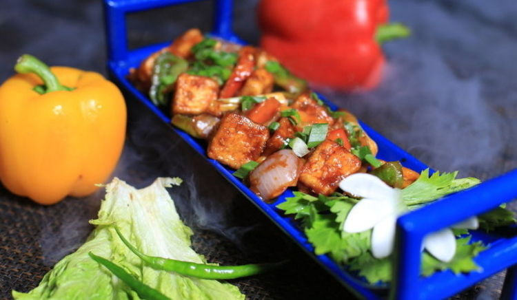 A guide to the vegetarian eateries for khao suey, thalis, street food & more