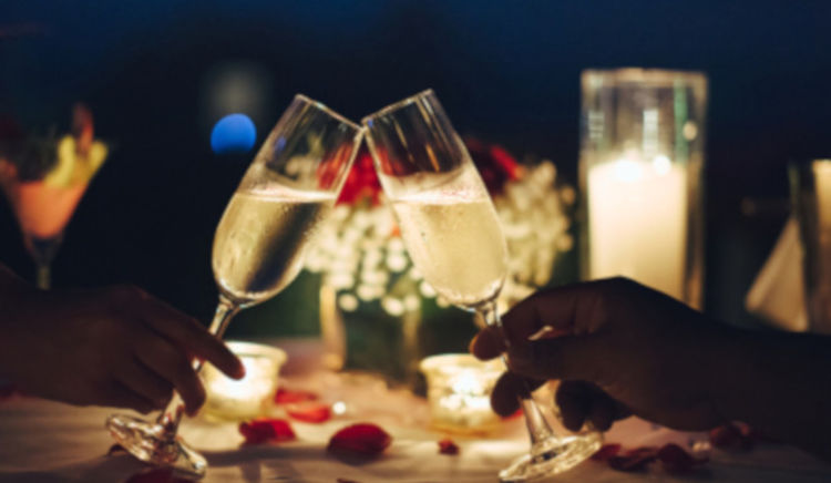 Good food, good drinks and a great ambience and your partner by your side. Try these 7 places to seal the deal