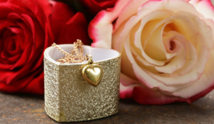 Make this Valentine an unforgettable day and surprise her with these ideas