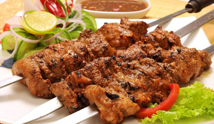 One of the best Mughlai foods is kebabs and it is widely loved in India