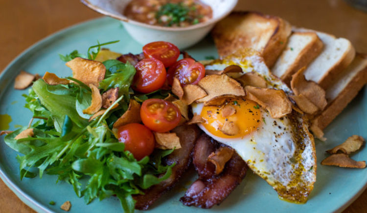Looking for fresh and delish breakfast in the city? Check out these 5 options!
