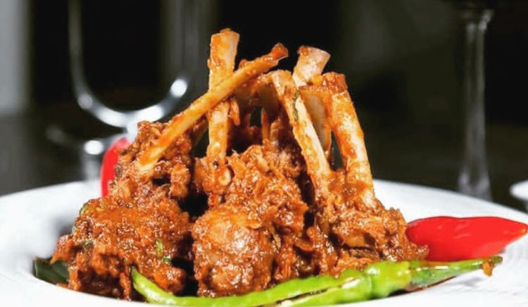 Craving for some Lucknowi kebabs in Pune? Here is where to get them!