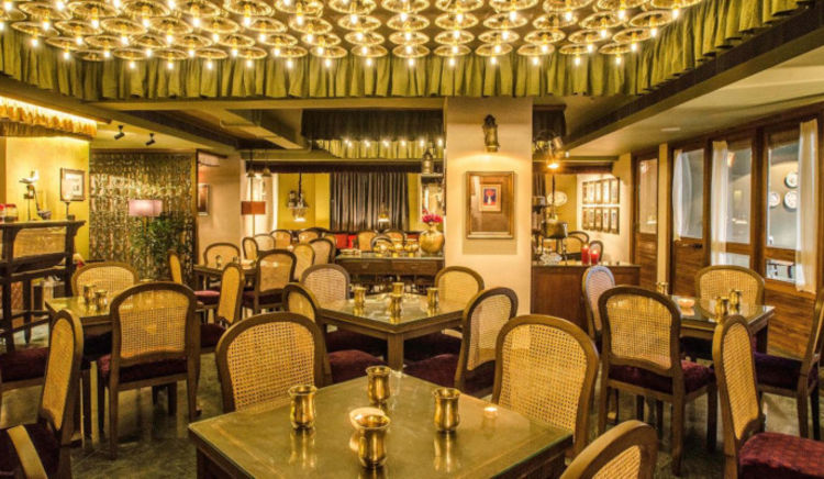 This monsoon visit these EazySafe+ certified  restaurants in Kolkata serving the finest Hilsa preparations