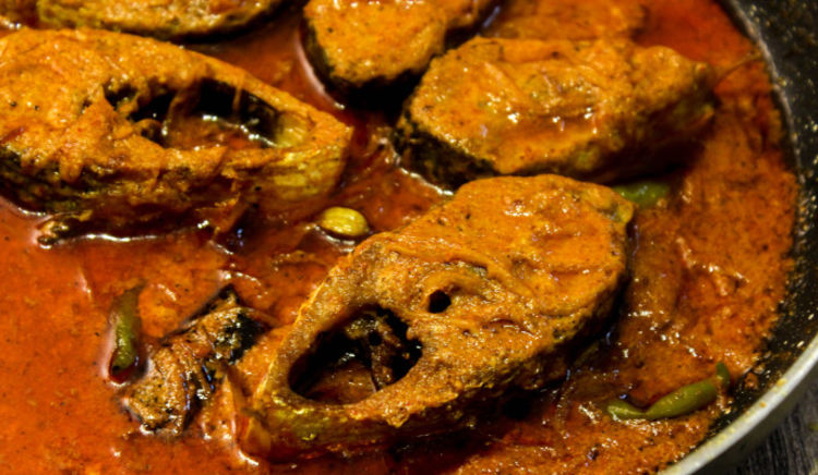 Enjoy a true blue Bengali fare from these EazySafe+ certified restaurants in Kolkata