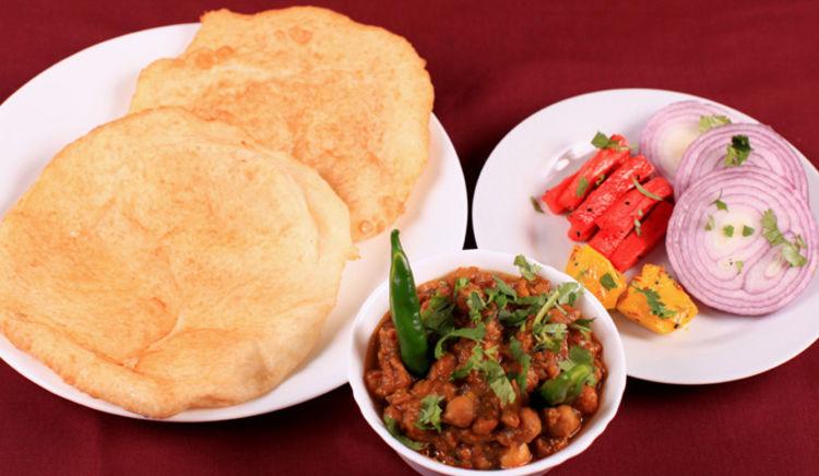 Delhi's top 5 chola bhatura places