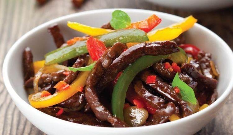 Mumbai's Sneha wins the Tastiest Beef Dish in the Chowzter Asia Awards