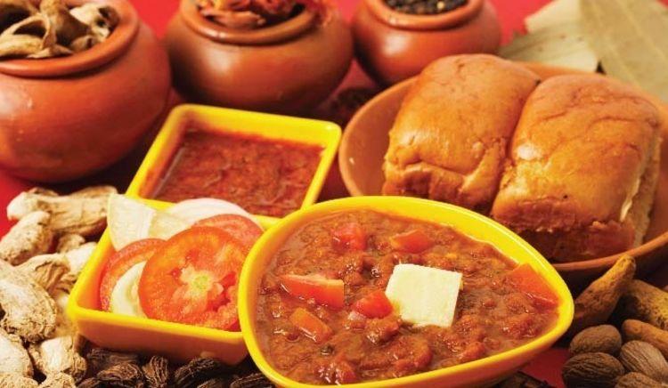 Scoring street food in Mumbai
