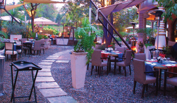 Explore food while sitting in the lap of the earth at garden restaurants and cafés in Delhi NCR